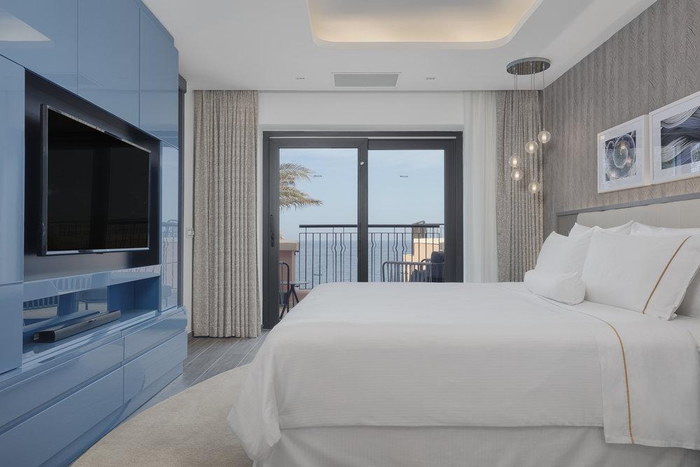 Luxury Bay Suite (3).jpg