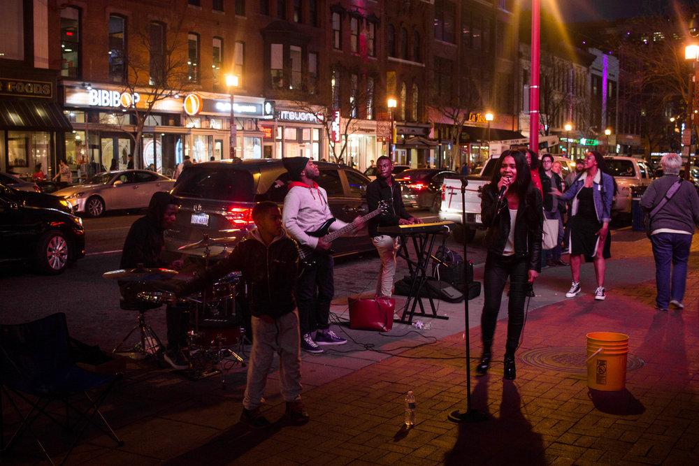 Woman Singing on The Street In Washington DC