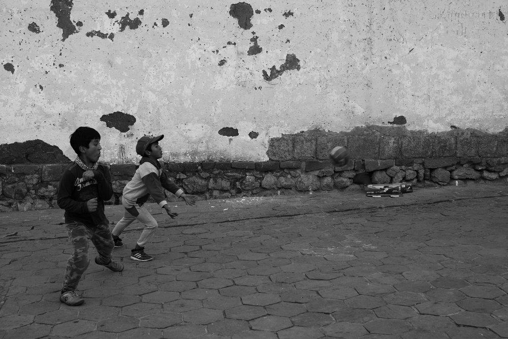 Pick-up Game Cuzco, Peru Leica M Typ 246 50mm f/2.0 APO Summicron © Keith R. Sbiral, 2018