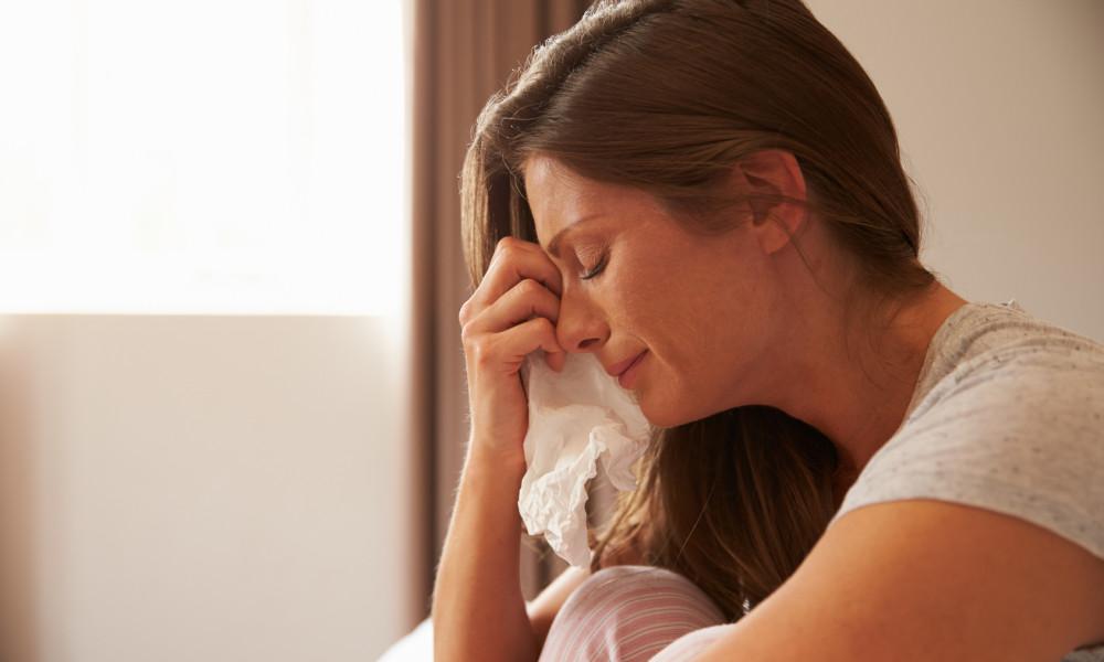 woman-crying-tissue-1000x600.jpg