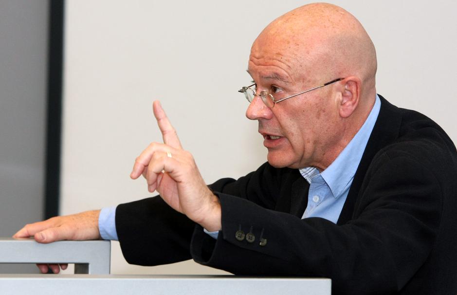 Speaking at the Tilburg School of Humanities in 2012