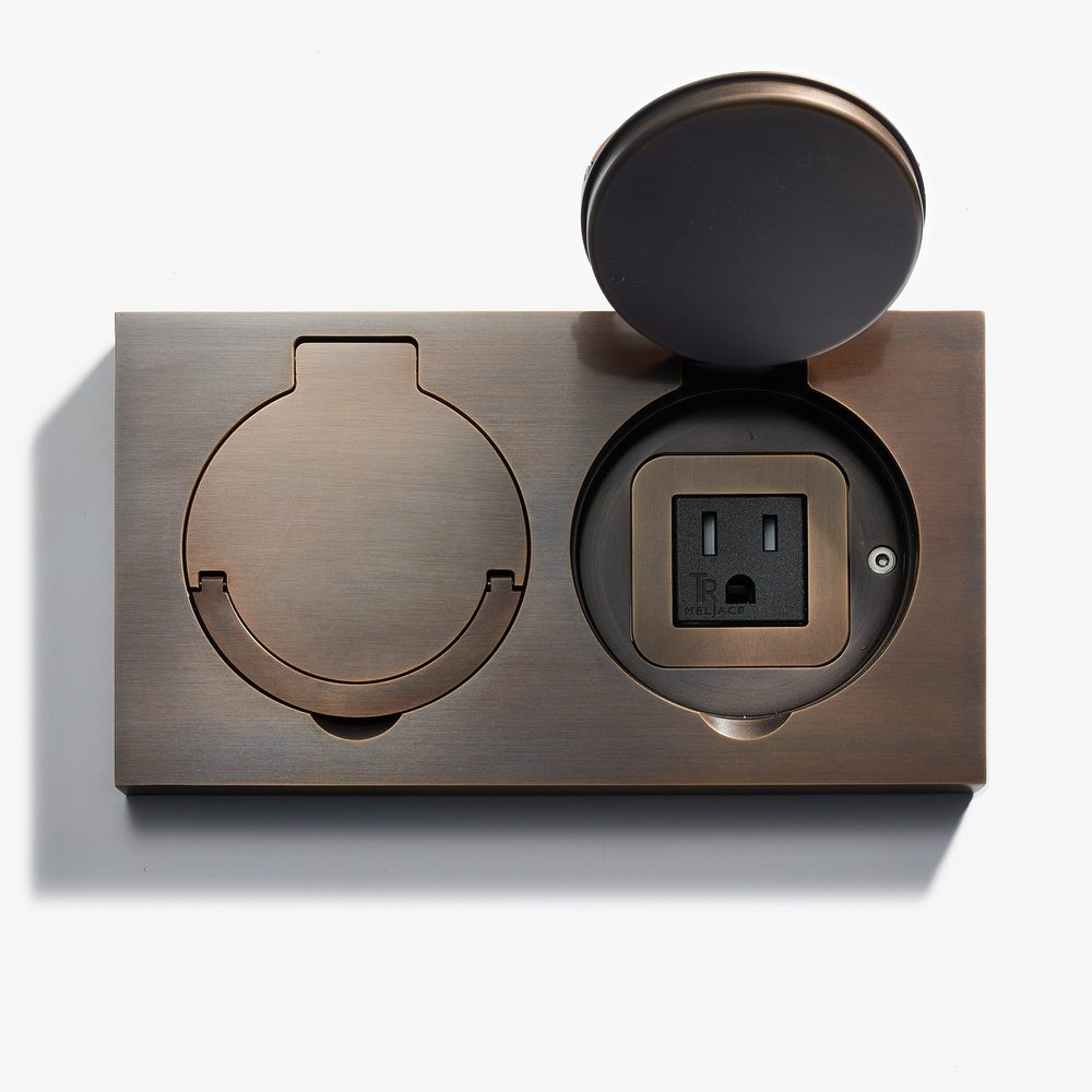 180 x 100 - Double Floor Outlet - Water Resistant - Bronze Medaille Foncé 2.jpg