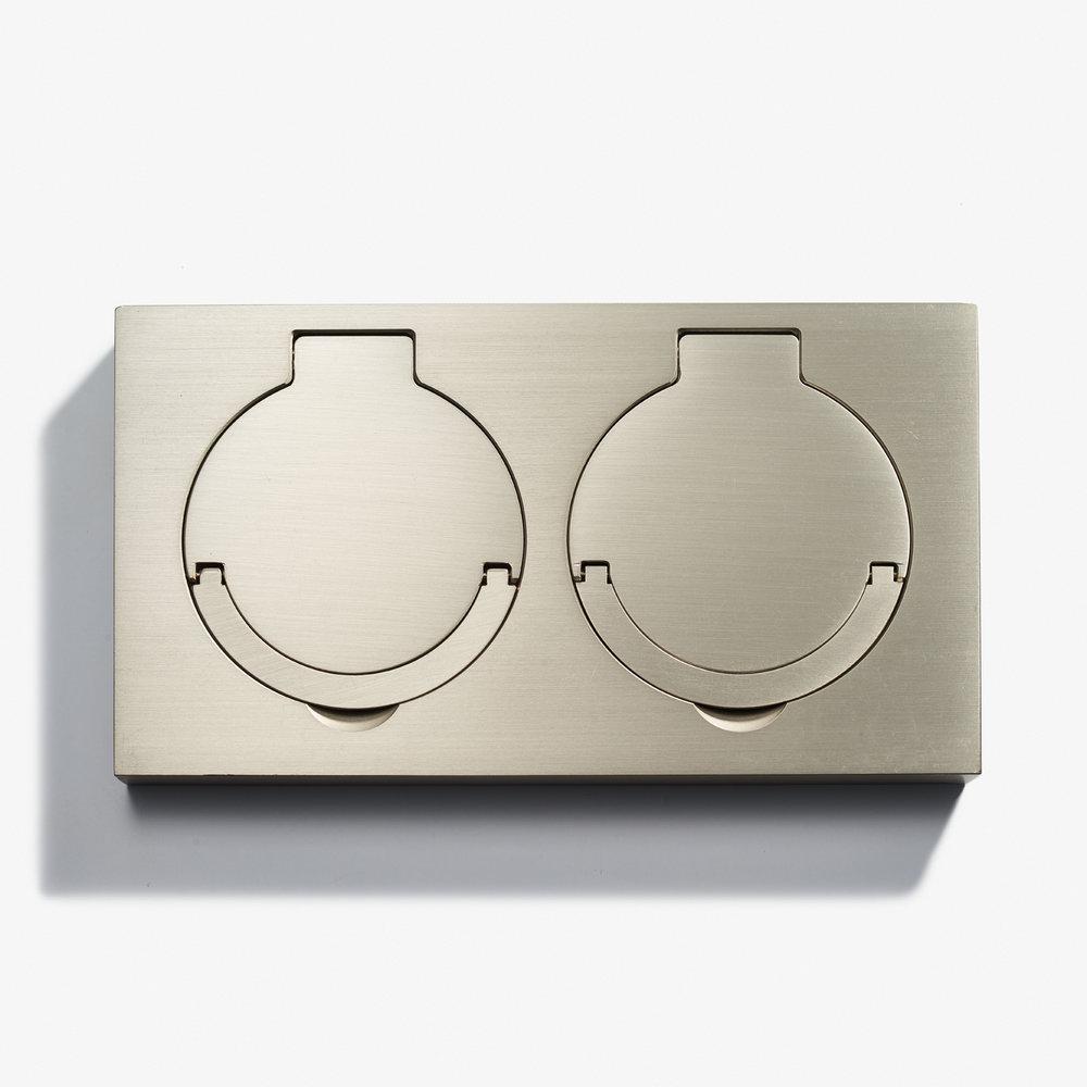 180 x 100 - Double Floor Outlet - Water Resistant - Nickel Brossé 1.jpg