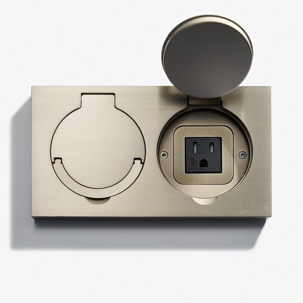 180 x 100 - Double Floor Outlet - Water Resistant - Nickel Brossé.jpg