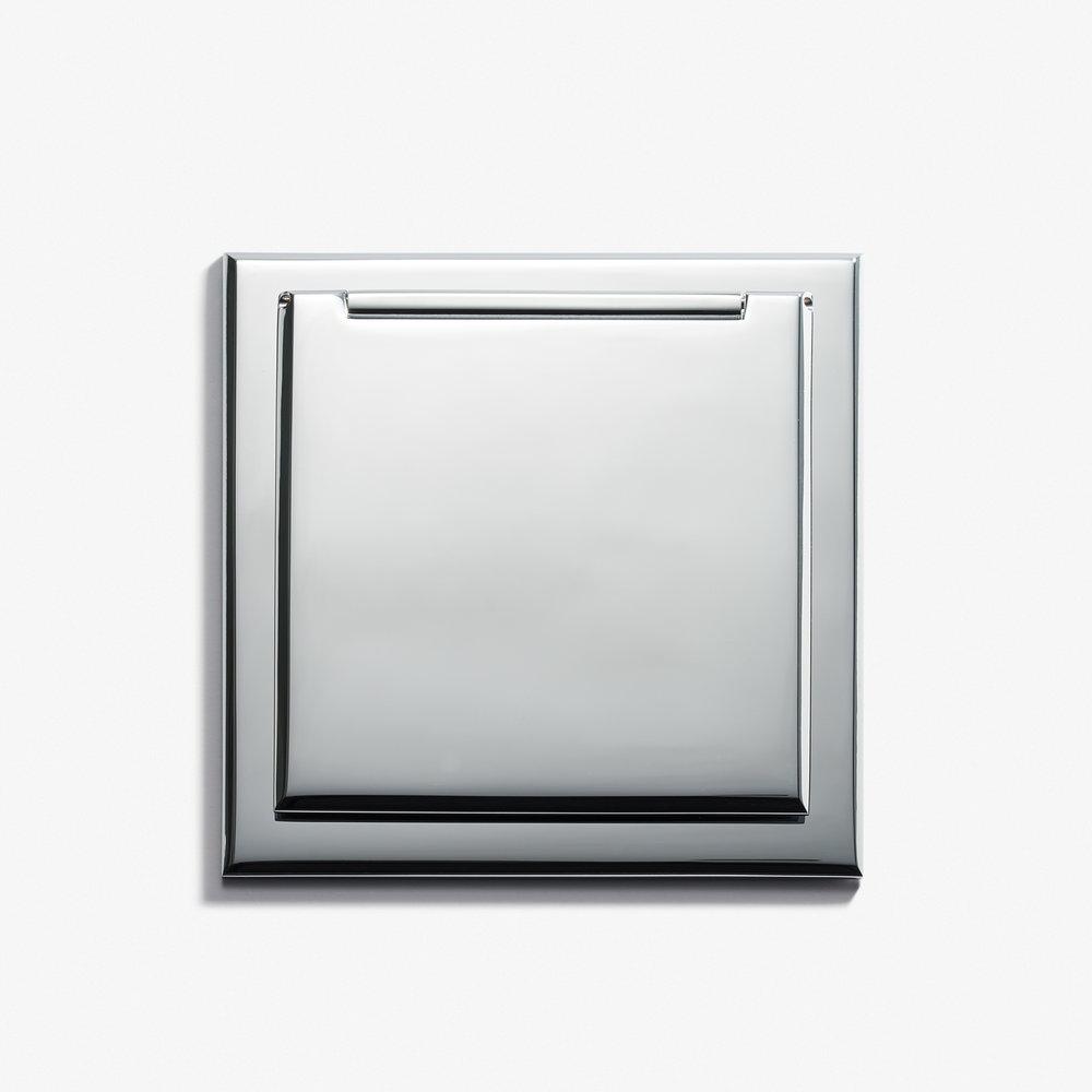 82 x 82 - Single Outlet - Cover - Chromé Vif 1.jpg