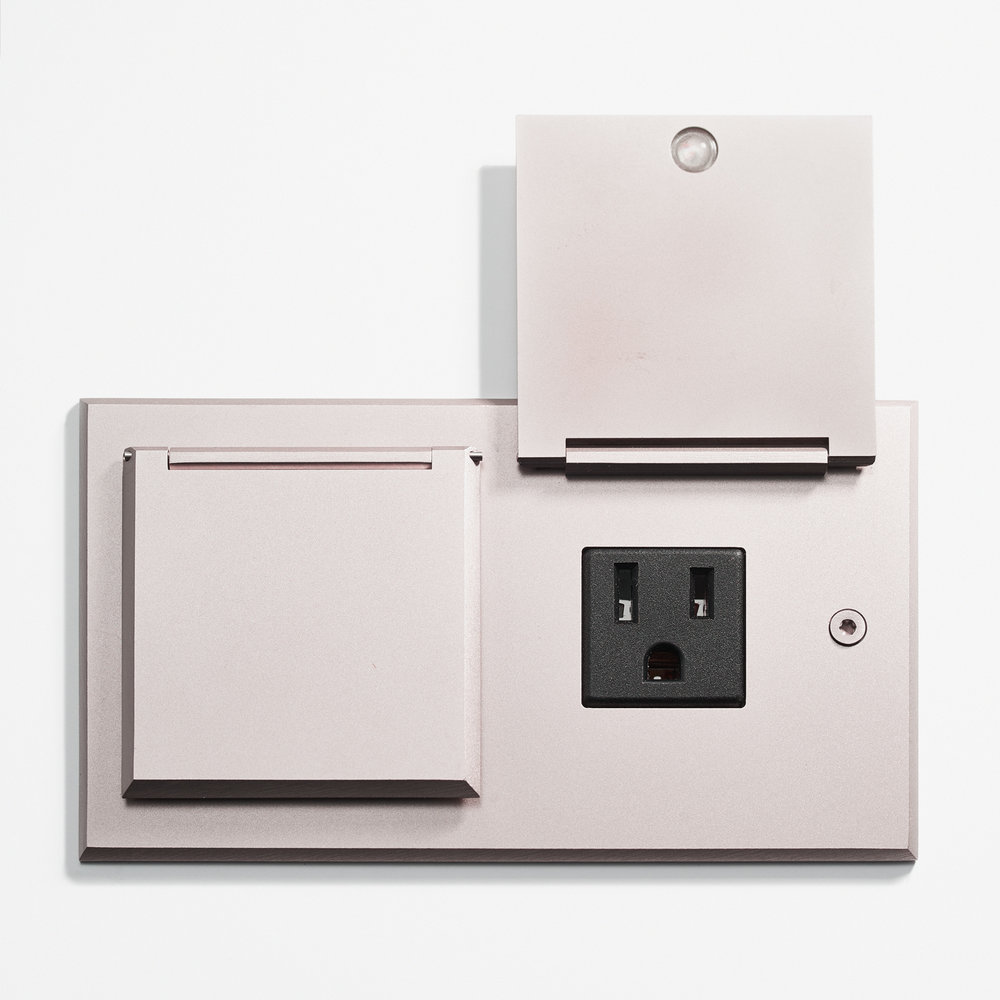 144 x 82 - Duplex Outlet - Covers - Microbillé NIckel 2.jpg