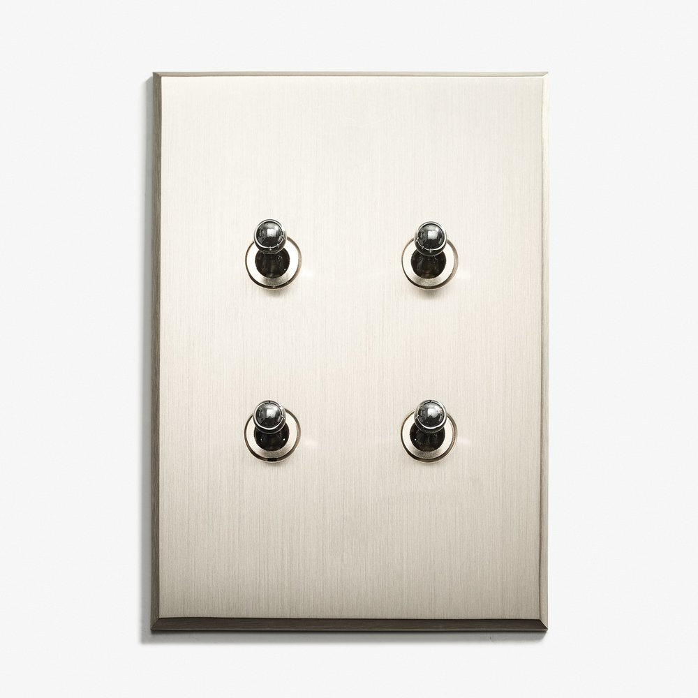 82 x 117 - 4 INV - Hidden Screws - Nickel Brossé 1.jpg
