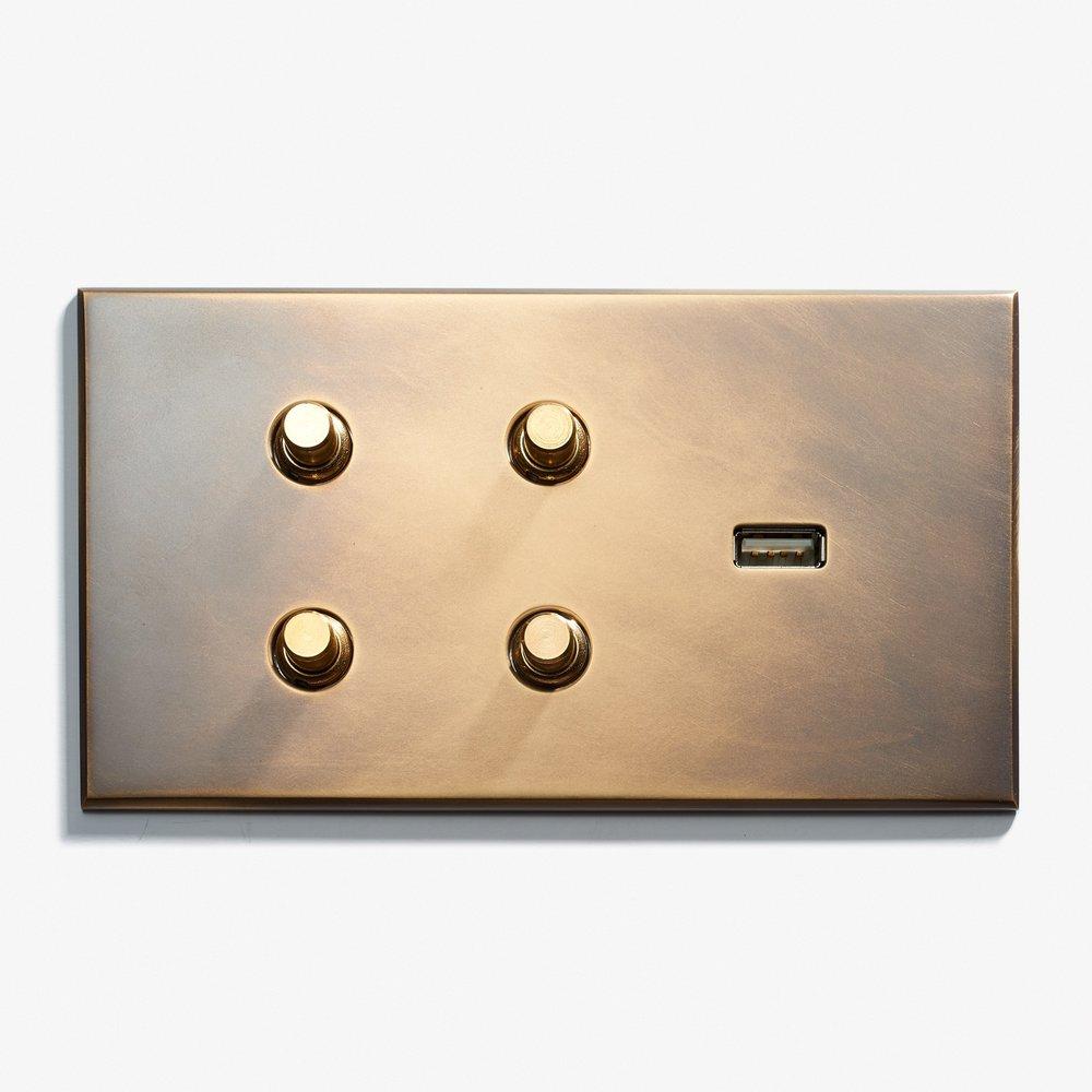 144 x 82 - 4 BP + 1 USB - Hidden Screws - Beveled Edge - Antique Brass 1  .jpg
