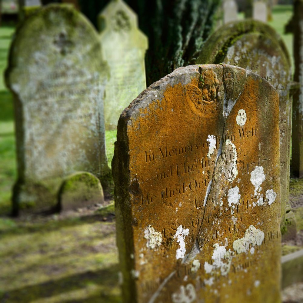 Kirk applied a lens blur effect in Snapseed to draw attention to the gravestone in the foreground.