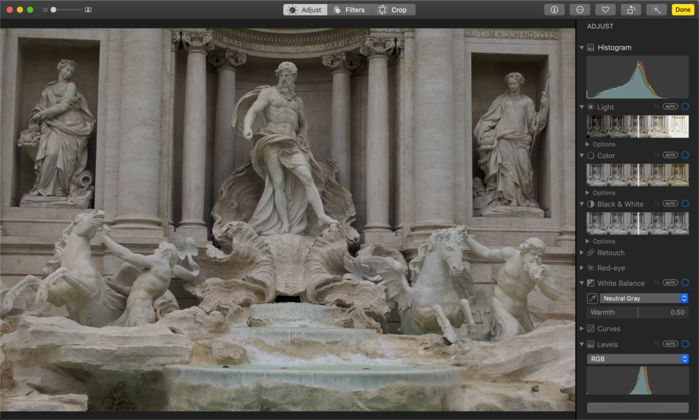 03:30 The sample image with the Histogram visible
