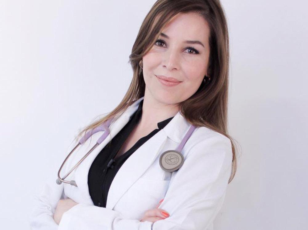 Dra. Claudia Zapién   Especialista en medicina antienvejicimiento