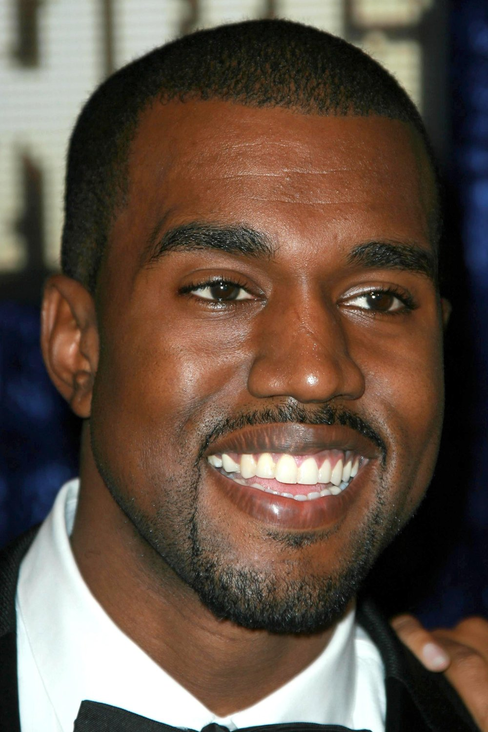 haircuts-oval-faces-kanye-west.jpg