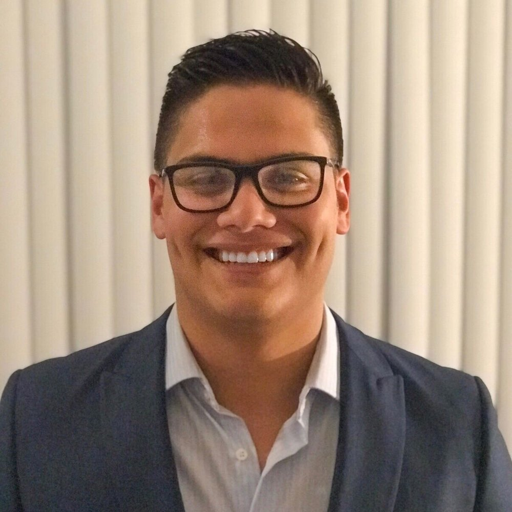 Klipped-Haircut-App-Designer-Ricardo-Espinoza