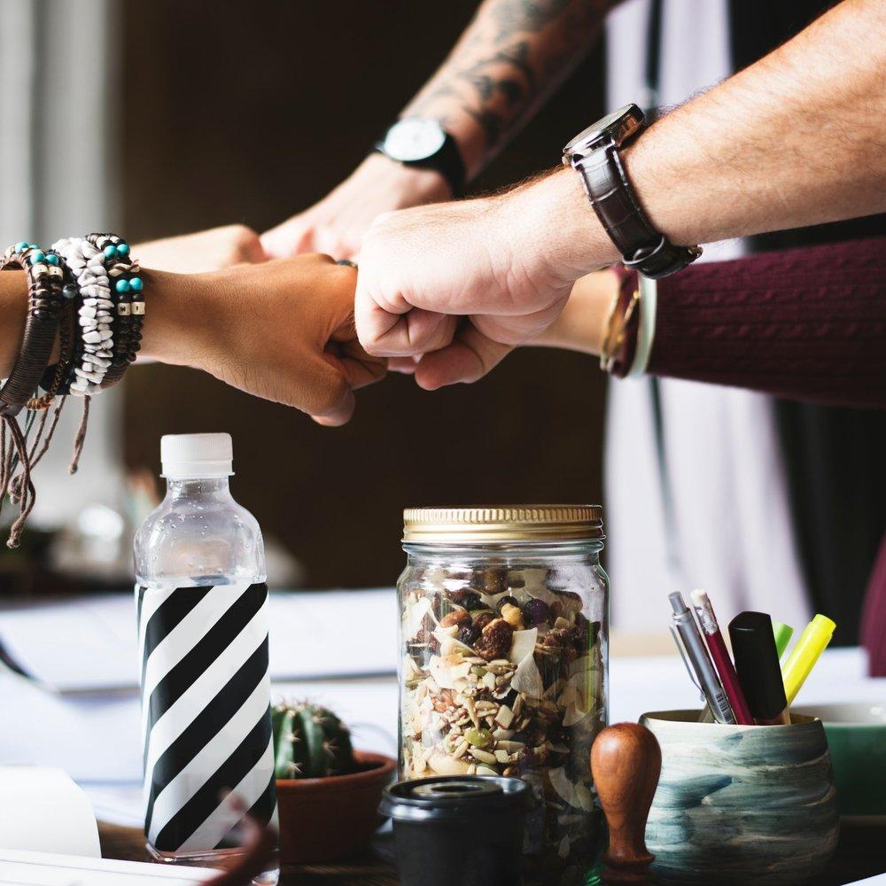 Vision - Nous croyons en un écosystème ouvert, collaboratif et durable pour l'entrepreneuriat afin d'aider les entreprises à croissance rapide à prospérer à Montréal.> Plongez dans la mission derrière OSMO