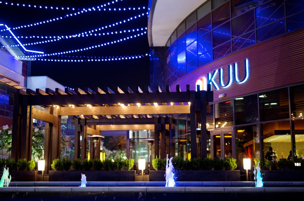 KUU-Patio-night-KimberlyPark.jpg