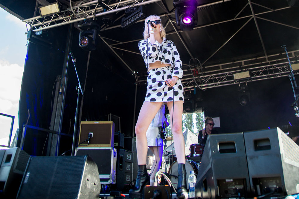 Pins - Tramlines Festival - 22-07-18-6.jpg