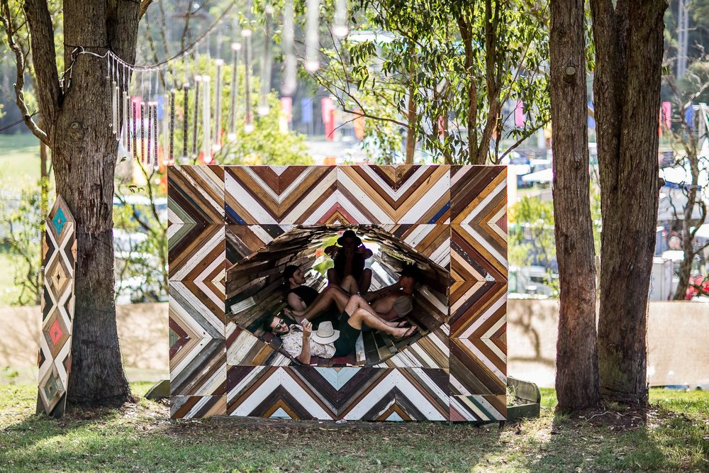Festival installations - We make artworks using new technologies seamlessly integrated with waste materials in our designs. We build participatory sculptures and large stages complete with integrated projection and LED mapping.