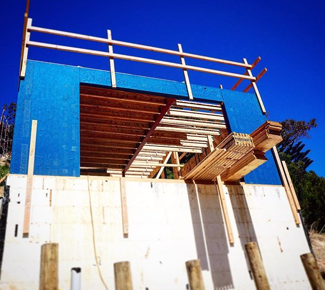 Great to see the SIP panels going up! #ResidentialArchitecture #WellingtonArchitecture #Construction #NewBuild #NZSips #SIPPanel