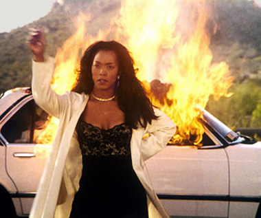 waiting-to-exhale-fire-angela-bassett