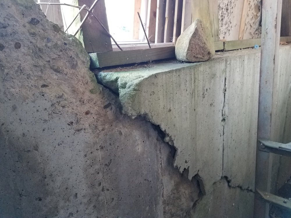 1/12/19: Another view of structural damage.