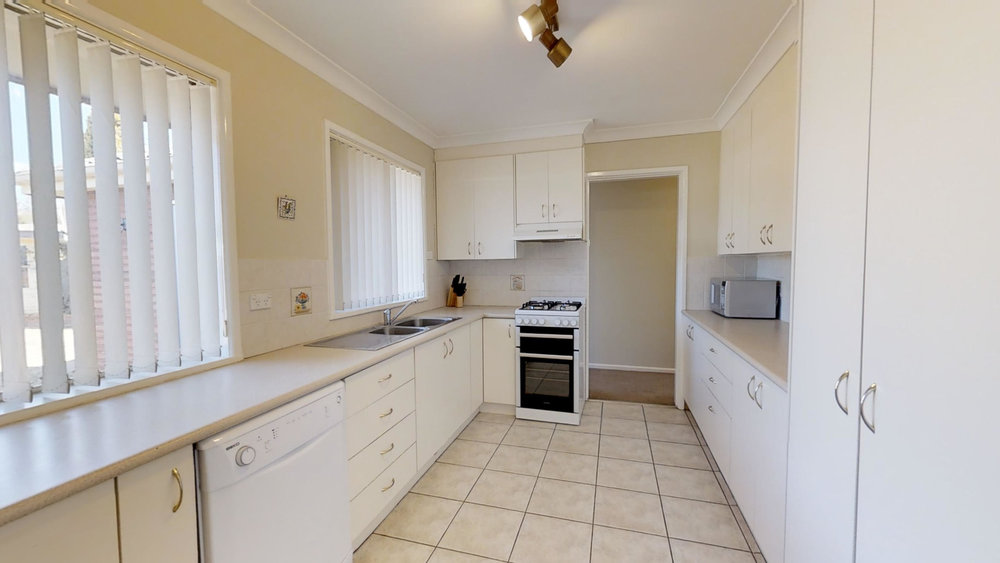 Wentworth Lane 9 Kitchen.jpg