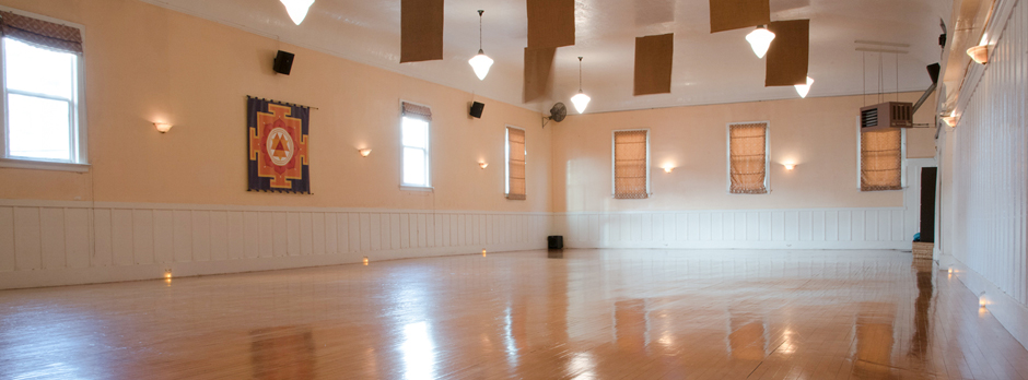 The Yoga Tree Castro Studio in San Francisco — the kind of space I'd love to see in NYC