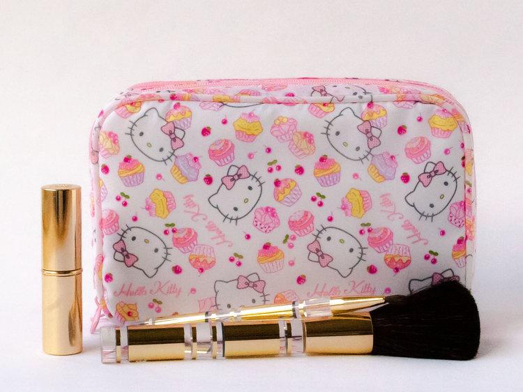 Hello Kitty Make Up Bag Cake Design Imouto