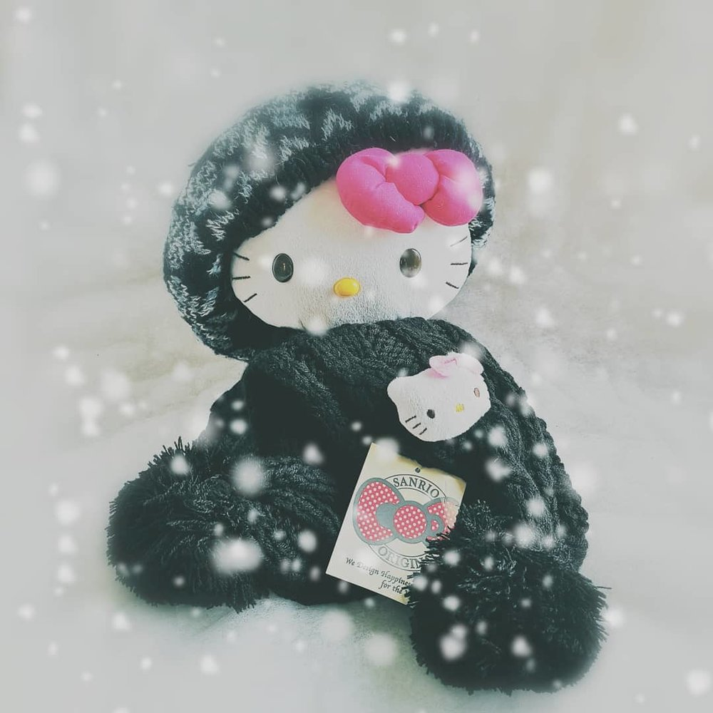 Hello Kitty Soft Black Mascot Scarf - £8