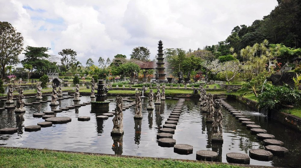 Tirtagangga water palace.JPG