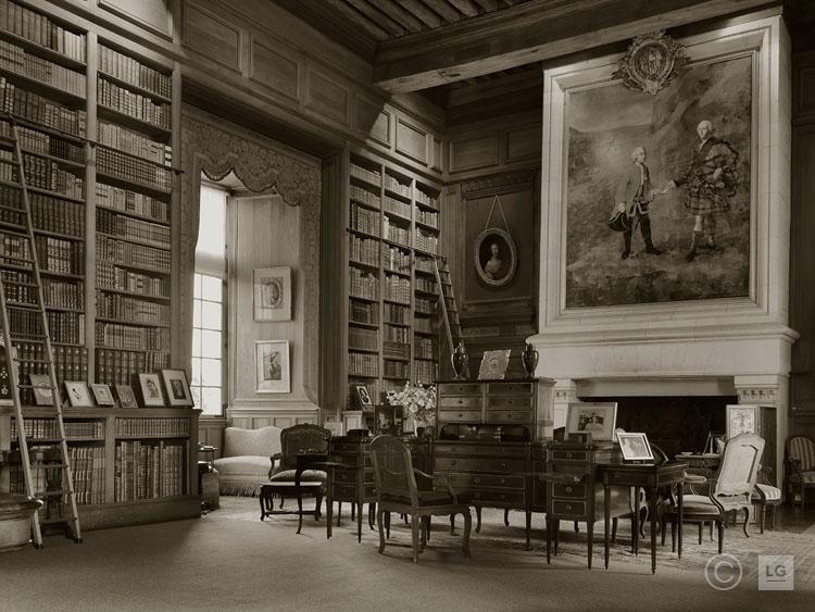 Library at Château de Serrant