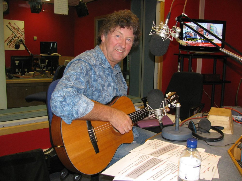 Graham at BBC Kent for a live session on the folk radio show.