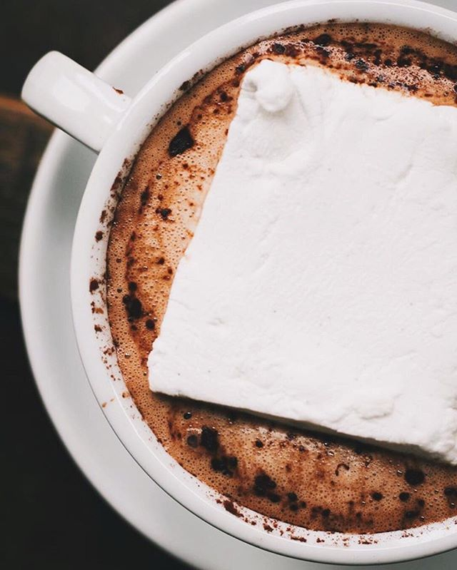 Hot cocoa kicked up a notch ☕️🍫 Make your cocoa even more luxurious and warm with a splash of @cureoliqueur (craft cold brew coffee liqueur infused with rum) and an oversized marshmallow for good measure. Find the full recipe on their site. #vafoodie 📷: @cureoliqueur