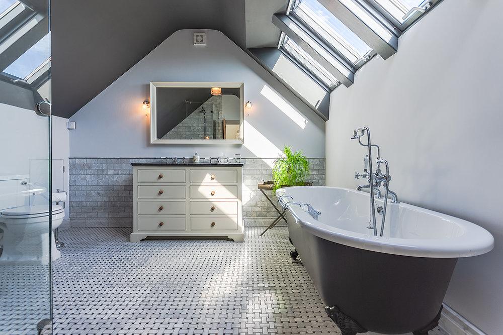 _DSC9972-HDR.tif Aberdovey Cottages  & Breaks Aberdyfi Dyfi Cottages - Erw Gwenllian - Top Bedroom.tif 2.tif ensuite.jpg