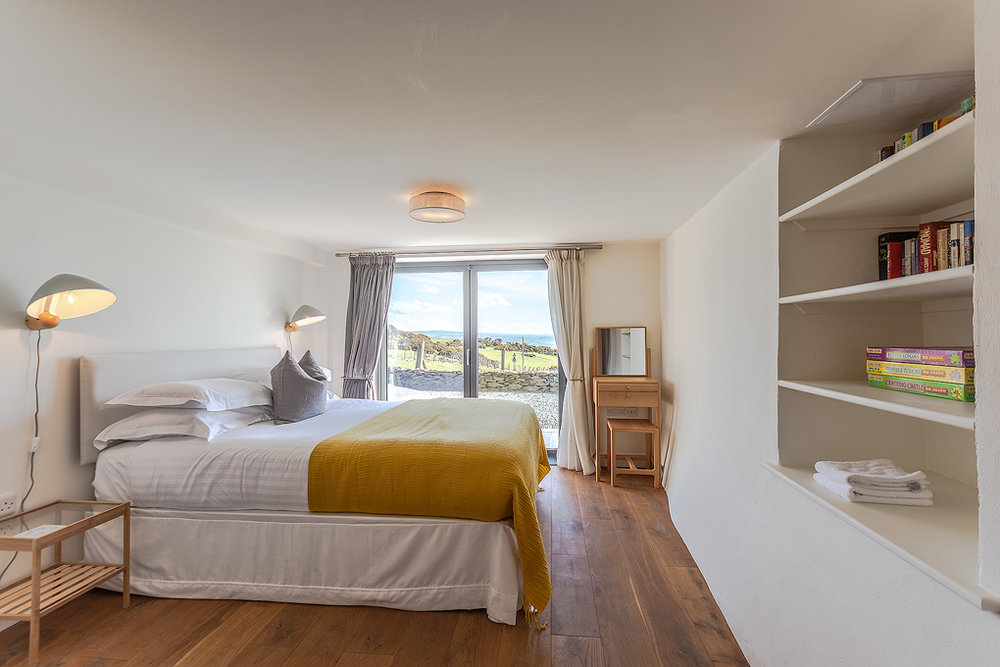 _DSC0008-HDR.tif Aberdovey Cottages  & Breaks Aberdyfi Dyfi Cottages - Erw Gwenllian - Bedroom  1.jpg