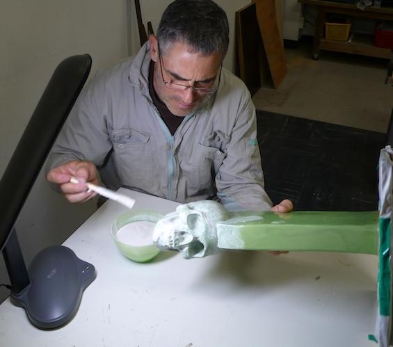 Preparing wax model for kiln casting
