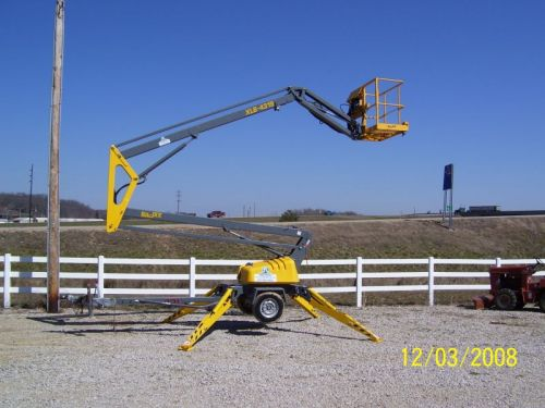 43' Towable Boom Lift with Outrigger Support