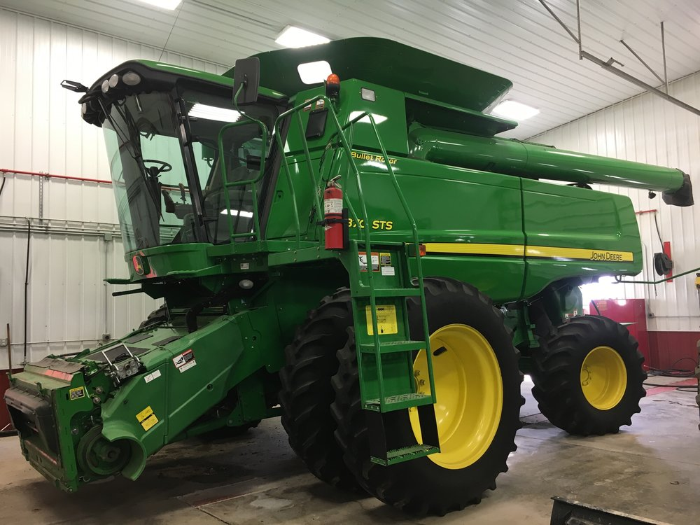 2010 John Deere 9870 Combine 1850 Engine Hour- 1375 Seperating Hours Serviced and Inspected - Field Ready $165,000.jpg