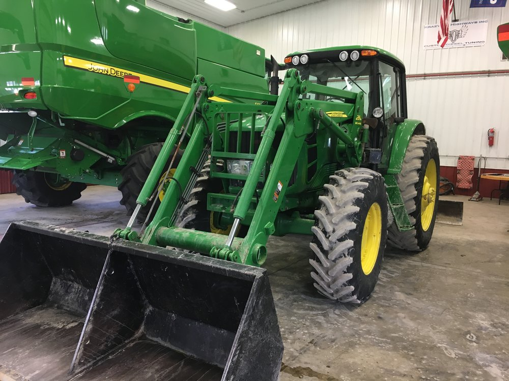 John Deere 7330 Premium Loader with Joystick Control 741 Self Leveling with 3568 Hours 4.jpg