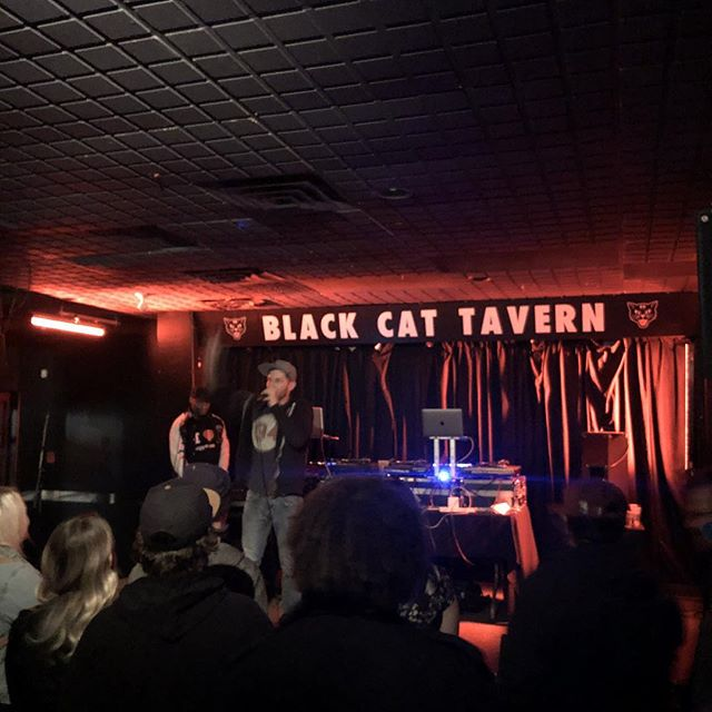 Where the words at?! @thewordburglar live on the mic!  @blackcatyxe #liverap #canadian #rap #music #awkwords