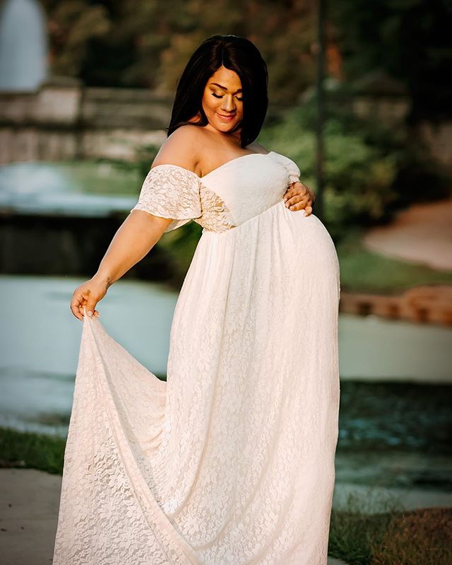 Goddess! 🤰🏽📷💕 . #maternityphotography #85mm18 #teamcanon #quincyillinois #illinoisphotographer #springfieldil #midwestlife #midwestphotographer #maternityshoot #maternitygown #mixedchick #melaninpoppin #goldenhour #photooftheday #photography #photoshoot