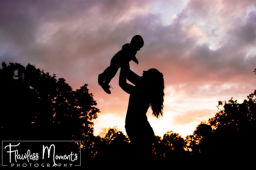 mommy and me silhouette