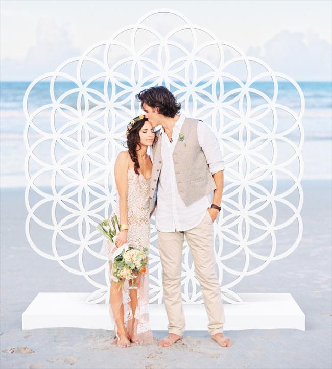 Moonbear_Co_Freestanding_Wedding_Wall_Backdrop_Beach_Flower of Life.jpg