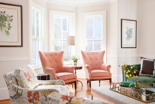 The Parlor Room at @620prince 💕 Ottoman: @rowefinefurniture |Sofa: Robin Bruce @rowefinefurniture | Print Chairs: Robin Bruce @rowefinefurniture | Coral Chairs: @themtcompany | Floor Lamp: @visualcomfortco |Accent Pillow: @gdchomeinteriors | 📸 by @margaret.wright | @theivy.co @shealychr