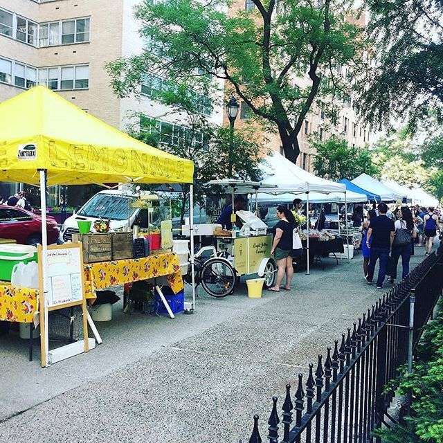 Looking for a Farmers Market Associate!  Saturdays. Rittenhouse Farmers Market. Great pay and flexibility.  Starting ASAP. Send resumes and questions to george@phillybread.com.  #job #philly #farmersmarket #rittenhouse #bread #baker #phillybread #phillymuffin #muffin #cashmoney