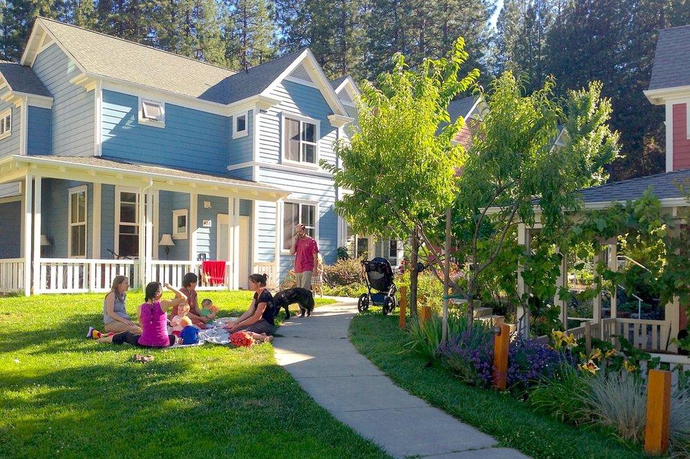nc-lawn-picnic-w-family_orig.jpg
