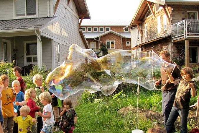 kids+play+bubbles.jpg