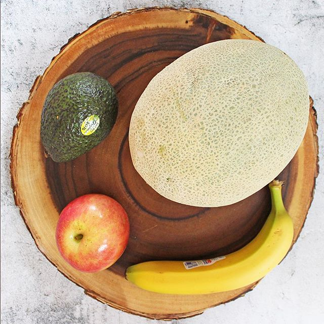 Swipe to see what's in our fruit bowl! ⠀⠀⠀⠀⠀⠀⠀⠀⠀⠀⠀⠀ One of our favorite things about our Avocado Powder is that it reduces food waste. Avocados last 3-5 days once ripe and our Avocado Powder lasts for a year!! 🌍💚⠀⠀⠀⠀⠀⠀⠀⠀⠀⠀⠀⠀ ⠀⠀⠀⠀⠀⠀⠀⠀⠀⠀⠀⠀ ⠀⠀⠀⠀⠀⠀⠀⠀⠀⠀⠀⠀ #eatavolov #avocadopowder #glutenfree #keto #paleo #plantbased #vegansofig #foodie #poweredbyplants #instagood #plantbaseddiet #buzzfeast #eatclean #healthy #healthyish #buzzfeedfood #sustainableliving