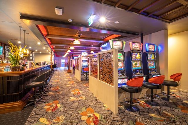 gaming room villa noosa (2).jpg