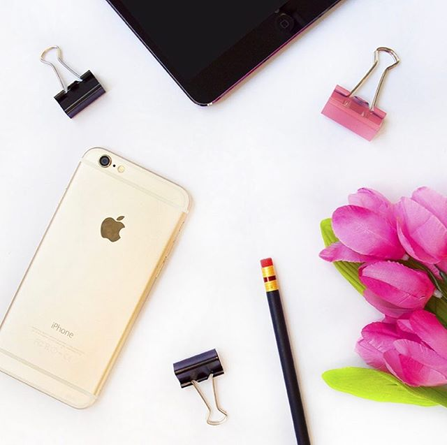 Do you need a iPhone detox? Today on the blog, Liz evaluates her phone usage with a little help with iPhone tools. Link in Bio. #takeabreak #howtotakeadigitaldiet