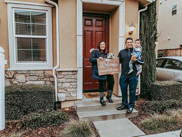 New year, new house. Liz shares a few tips on buying a house on the blog today. #firsthouse #homeowner #weclosed #newyearnewhouse #mortgage